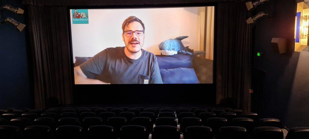 Bennis Videobotschaft beim Probelauf im Kino.